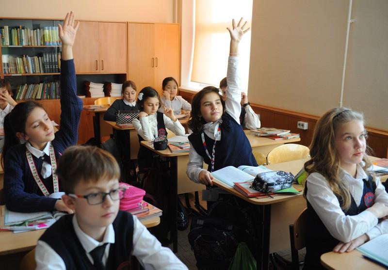 Минпросвещения: Планов по переводу школьников на дистанционное обучение нет