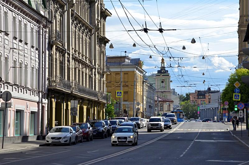 Более 15 километров кабельных линий обновят в Москве